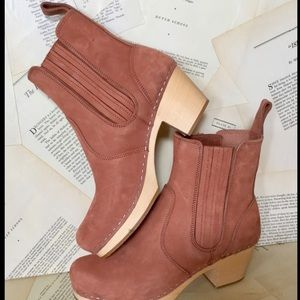 Anthropologie Hasbeens clay tan Pull On Boots 40/9